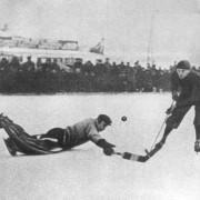 История хоккея с мячом в России