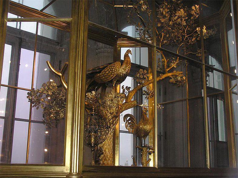 Эрмитаж закрыл на реставрацию Павильонный зал с часами «Павлин»