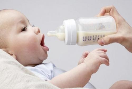 Детское питание: путеводитель по искусственному вскармливанию