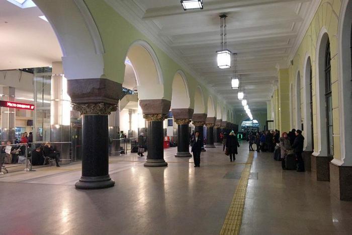 Здание Ярославского вокзала внутри