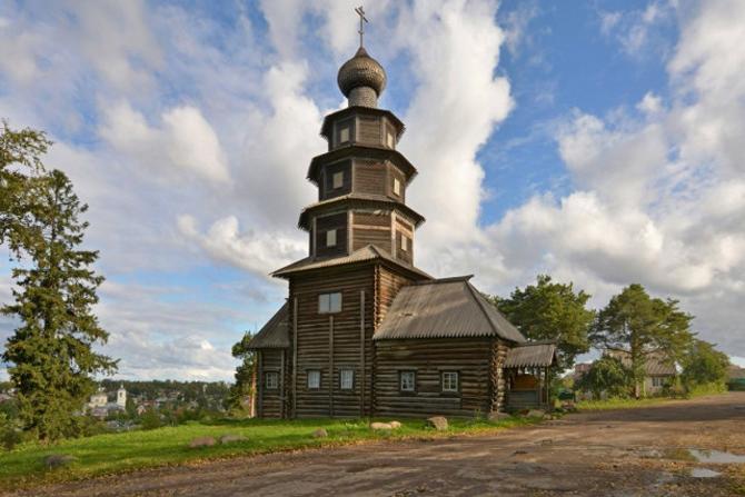 Деревянный храм в Торжке